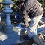 高崎市三ツ寺町のお寺にて、お墓のリフォーム工事をしています。