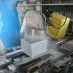 今日は、高崎市営八幡霊園の自由第2種和洋式の墓相の石塔を作っています。