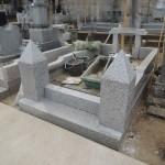 今日は、群馬県伊勢崎市境のお寺様にて、お墓の改修工事です。