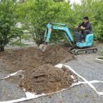 今日は、高崎市下佐野町の光雲寺様にてお墓の基礎工事です。