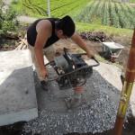 今日は、群馬県吾妻郡東吾妻町で、お墓の建てこみ工事です。