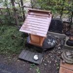 群馬県前橋市元総社町にて、木製のお宮(氏神様)と石製の台を設置しました。