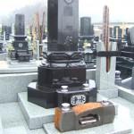 お墓の外柵親柱への彫刻 群馬県高崎市 ㈱天翔堂