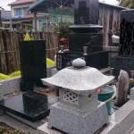 今日は高崎市菅谷町、高崎市営八幡霊園、前橋市営亀泉霊園の三か所で納骨作業をしてきました。
