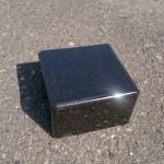 オーディオの台石を黒御影石で作りました。
