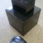 黒御影石でペットのお墓を作りました。