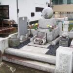 高崎市にてお墓の移転工事にともなう、解体工事をしています。