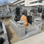 今日は、伊勢崎市の長光寺様にてお墓のリフォーム工事です。