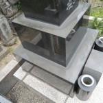 今日は、高崎市榛名町で、お墓の水垢落としのお掃除です。