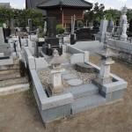 今日は、群馬県高崎市金古町の常仙寺様にて、お墓の補修見積もりです。