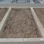 今日は、高崎市八幡霊園の新区画8種でお墓の基礎工事です。