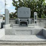群馬県安中市にて、新しく洋型墓石が完成しました。