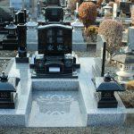 高崎市営八幡霊園の20区にて、二世帯で使える(親子で使用できる)新しいお墓『二世帯墓』が完成しました。