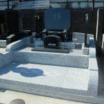 北群馬郡吉岡町の寺院墓地にて、新しい洋型墓石が完成しましたのでご紹介いたします。