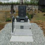群馬県伊勢崎市東町にて、コンパクトでお手入れのしやすい和洋型墓石が完成しましたのでご紹介いたします。