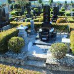 高崎市の八幡霊園3種の10区にて、黒御影石を使った和式のお墓が完成しました。