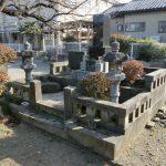 群馬県藤岡市緑埜の平井公民館近くにて、お墓の解体、撤去工事をしてきました。道路に面しているお墓だったので、作業はしやすい場所でした。